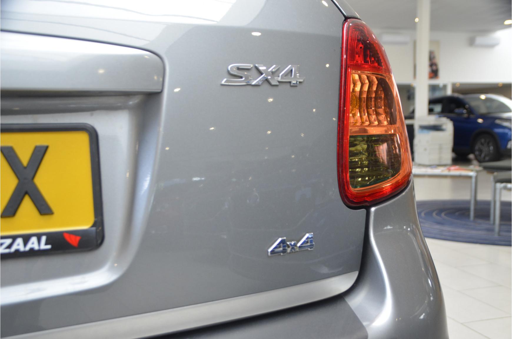 Suzuki-SX4-24