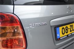 Suzuki-SX4-23