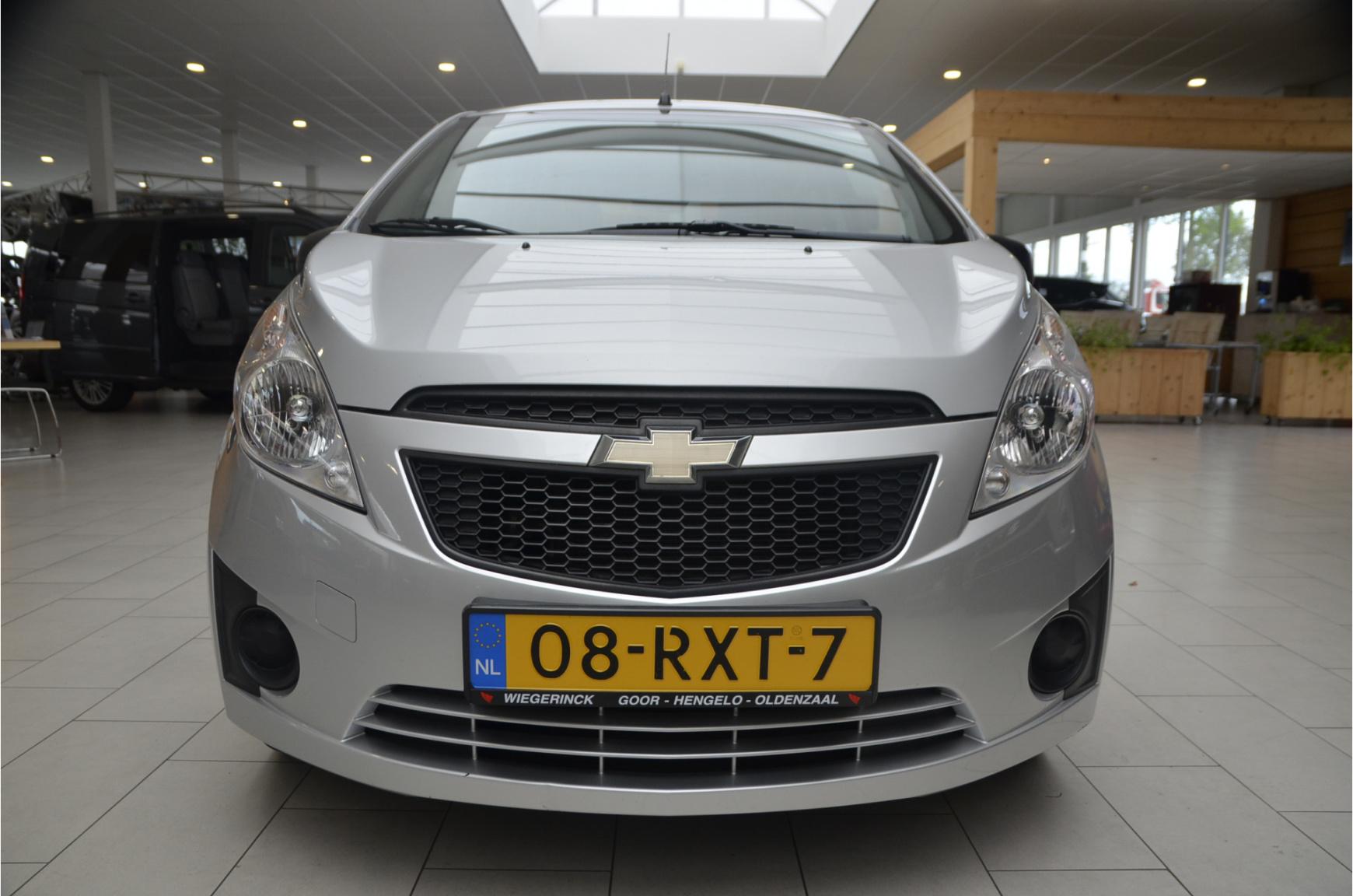 Chevrolet-Spark-8